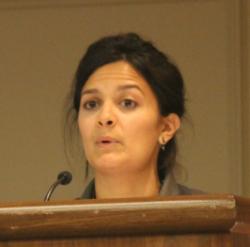 Delegate Marisa Bushman (San Antonio) reporting on recently concluded negotiationsPhoto credit: Dan Sweeley