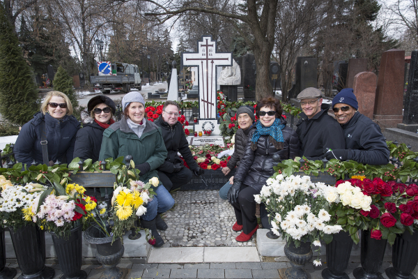NSO Musicians Cindy Finks, Lisa Emenheiser Sarratt, the Author, Steve Honigberg, Hyun-Woo Kim, Alice Weinreb, Bob Oppelt, and Desi Alston pay their respects at the gravesite of RostropovichPhoto credit: Scott Suchman